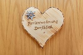 Lacknerhof_Dorfblick Türschild