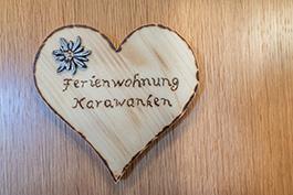 Lacknerhof_Karawanken Türschild
